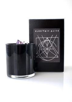 Get your candle aroma on with this smokey smell. Rock it with our Everything is Energy Print. - 100% Soy Wax – Cotton Wick – 9 oz - Burn time approx.. 80 hrs. - Glass Container - Quartz Crystal & Amet