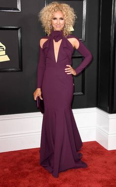 Kimberly Schlapman from Grammys 2017 Red Carpet Arrivals