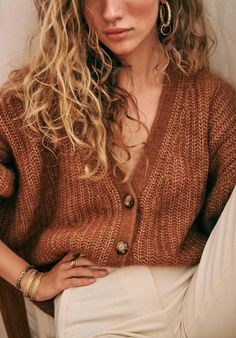 Crochet braid styles 403142604147685271 - Sézane – Achille Jumper Source by coconuu Grunge Look, 90s Grunge, Grunge Style, Soft Grunge, Grunge Outfits, Tokyo Street Fashion, Fall Collection, Pulls, Passion For Fashion