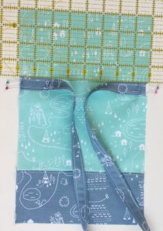 The Greatest Adventures Await with this Simple Sling Bag Tutorial Sewing Blogs, Sewing Tutorials, Bag Patterns To Sew, Sewing Patterns, Mini Messenger Bag, Denim Handbags, Quilted Bag, Kids Bags, Sewing For Kids