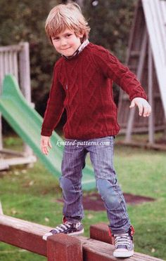 Knitting Patterns Boy Round neck sweater size up to Free Aran Knitting Patterns, Jumper Knitting Pattern, Free Knitting, Baby Boy Knitting, Knitting For Kids, Baby Outfits, Boys Sweaters, Aran Sweaters, Aran Jumper