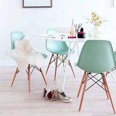 Spring Pastel Dining Chair. A mid Century American design which has revolutionised furniture production.