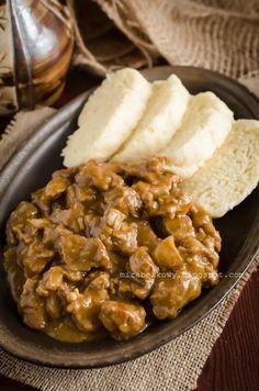 Mirabelkowy blog: Czeski gulasz piwny Pork, Cheese, Meat, Chicken, Ethnic Recipes, Blog, Essen, Kale Stir Fry, Blogging