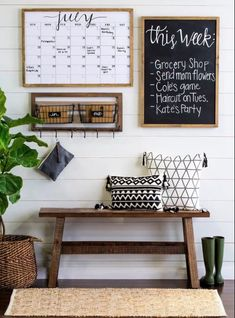Inspiring DIY Small Apartment Decorating Ideas on a Budget – Home Decor On A Budget Easy Home Decor, Cheap Home Decor, Joanna Gaines, Home Design, Interior Design, Farmhouse Side Table, Farmhouse Decor, Rustic Decor, Modern Farmhouse