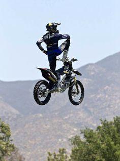 Metal mulisha cause he's just beast like that. Metal Mulisha, Freestyle Motocross, Motorcross Bike, Dirtbikes, Extreme Sports, Bike Life, Cool Bikes, Motorbikes, Motorcycles
