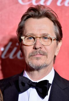 Gary Oldman arrives at the 25th Annual Palm Springs International Film Festival Awards Gala