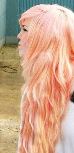 peach hair. (via homemade hullabaloo) http://pinterest.com/nfordzho/hair-style/