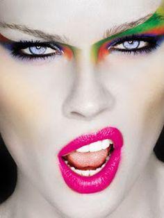 Makeup trends that drop jaws. 80s Makeup Looks, 1980s Makeup, Clown Makeup, Halloween Makeup, Glam Rock, Runway Makeup, Beauty Makeup, Exotic Makeup, Runway Hair