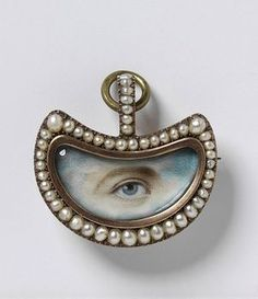 Eye Miniature Painting Set in a Pendant c.1800. Photo Courtesy of the Victoria and Albert Museum Collection
