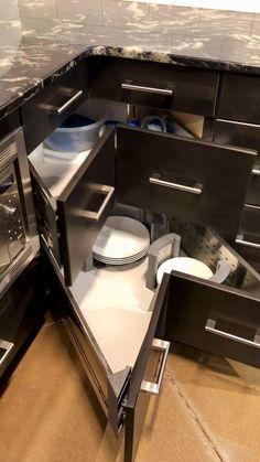 Kitchen Cupboard Designs, Kitchen Room Design, Diy Kitchen Storage, Modern Kitchen Cabinets, Modern Kitchen Design, Interior Design Kitchen, Kitchen Organization, Kitchen Decor, Kitchen Corner Cupboard