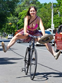 Girls Love Bikes Picdump picture brought to you by evil milk funny pics. Image related to Girls Love Bikes Picdump 2 Cycling Girls, Cycling Wear, Women's Cycling, Cycling Jerseys, Girls Mac, Radler, Cycle Chic, Bicycle Girl, Mtb Bicycle