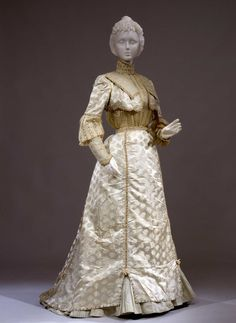 Day dress ca. 1900 From the Galleria del Costume di Palazzo Pitti...