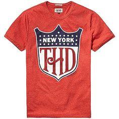 Klassisches Hilfiger Denim Tanouk T-Shirt mit Rundhalsausschnitt, Vorderprint und Logstitching auf der Brust.75% Baumwolle, 25% Polyester...