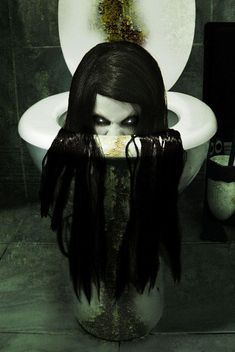 This would scare the crap out of me....literally!! luv it! Definetly doing this in haunted house this year