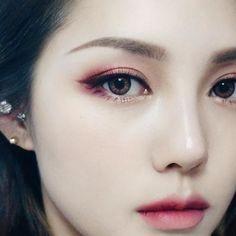 버건디 메이크업! 렌즈는 렌즈스토리의 잇걸 홀릭 핑크...인데 착용하면 핑크빛 안 보여요 #Koreanmakeup