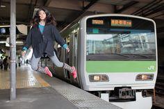 Japanese photographer Natsumi Hayashi (aka Yowayowa Camera Woman) takes self-portraits of herself levitating across train stations, alleyways and roads: