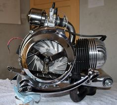 Vespa GS150 chrome & polished engine