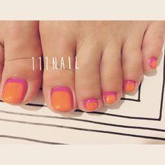 ▫️◽️◻️▪️▫️#nail#art#nailart#ネイル#ネイルアート#vivid#cute#pop#foot#fuchsiapink#orange#nailsalon#ネイルサロン#表参道