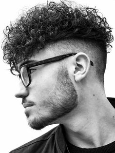 Curly Undercut: 30 Modern Curly Haircuts for Men - Men's Hairstyle Tips Undercut Curly Hair, Haircuts For Curly Hair, Curly Hair Cuts, Undercut Hairstyles, Long Curly Hair, Haircuts For Men, Wavy Hair, Curly Hair Styles, Men With Curly Hair
