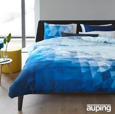 Auping Fragment bleu,blauw,wit,grafisch,satijn katoen,dekbedovertrek www.slaapkennertheobot.nl Zwaag, gemeente Hoorn N-H info@theobot.nl