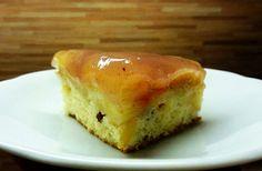 Nabízím svůj recept na velmi chutný obrácený jablečný koláč. Moučník je velmi variabilní, podle chuti použitých jablek je pok