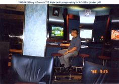 1998-09-25 Dang at YYZ Toronto Airport AC Maple Leaf International Lounge waiting for AC-860 to London LHR.
