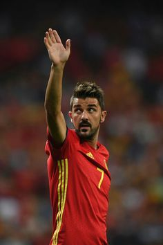 Seeing David Villa back alongside Iniesta and Busquets reminds me of that illustrious 2010-2011 season with Barca and World Cup glory with Spain