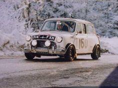 mini cooper s Mini Cooper Classic, Classic Mini, Classic Cars, Vintage Racing, Vintage Cars, Antique Cars, Mini Clubman, Mini Countryman, Mini Morris