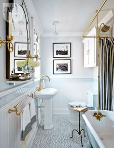 A hit of brass can give that rustic yet still chic feel to a bathroom.