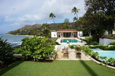 A Rare Look Inside Doris Duke's Shangri La Home in Hawaii