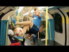 ▶ Insane Football skills - World Freestyle champion Andrew Henderson - YouTube