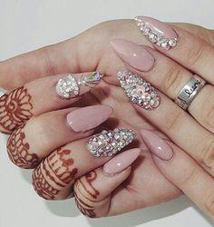 ногти, татуировка