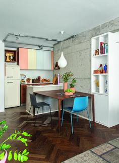 Reforma ousada integrou e modernizou apartamento de 78 m² Cute Kitchen, Kitchen Decor, Kitchen Design, Sweet Home Alabama, Pretty Room, Small Room Bedroom, Decoration, House Design, Table