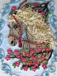 Картина панно рисунок Квиллинг  Я люблю свою лошадку  Бумажные полосы фото 2