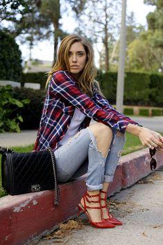 What Wear - Chiara Ferragni of The Blonde Salad On Ferragni: Rails shirt; Levi's jeans; The Blonde Salad, Song Of Style, My Style, Passion For Fashion, Love Fashion, Autumn Fashion, Womens Fashion, Net Fashion, Milan Fashion