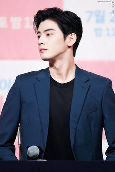 Korean Star, Korean Men, Asian Men, Korean Celebrities, Celebs, Cha Eunwoo Astro, Lee Dong Min, Handsome Korean Actors, Sanha