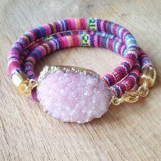 Sieh dir dieses Produkt an in meinem Etsy-Shop https://www.etsy.com/listing/228855466/pink-druzy-wrap-bracelet-boho-bracelet