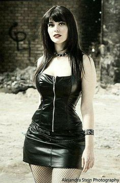 On the eight day the Lord Gave us The Goddess de Goth Gothic Girls, Hot Goth Girls, Dark Fashion, Gothic Fashion, Leather Fashion, Goth Beauty, Dark Beauty, Steam Punk, Looks Pinterest
