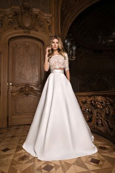LITE by Dominiss - Natalia Exclusif - Wedding dresses montreal, prom dresses, ev. Classy Wedding Dress, Two Piece Wedding Dress, Wedding Attire, Wedding Dress Crop Top, Trendy Wedding, Designer Wedding Dresses, Bridal Dresses, Bridesmaid Dresses, Lace Dress With Sleeves