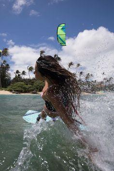 Mit der passenden Ausrüstung und hoffentlich viel Wind ins Wochenende starten!  Bei uns im Shop warten noch viele attraktive Angebote auf dich - schau doch einfach mal vorbei!  https://surfer-world.com/watersport/kitesurfen  #summer #sea #water #waves #wind #weekend #kitesurfing #naish #surferworld