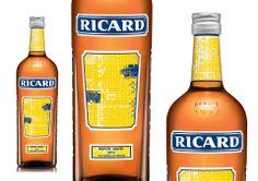 #PACKAGING : La marque #RICARD lance une bouteille édition limitée au maillage graphique jaune, par Guillaume Leblon.