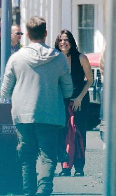 Lana's smile as Sean is walking toward her  #OutlawQueen #Seana #OUAT