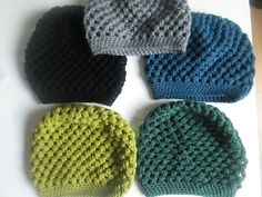 1 puffstich in each gap with 1 ch between each and end each round with 1 sc in last round puffstich.