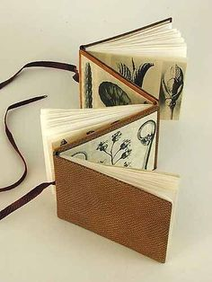Accordion book with pages attached to both sides #BooksBinding