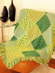 Crochet square blanket (4 different pattern for each square) with chart