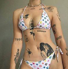 layout of tatoos Dope Tattoos, Pretty Tattoos, Body Art Tattoos, Small Tattoos, Girl Tattoos, Tattoos For Women, Tatoos, Sexy Tattoo Girls, Unique Tattoos