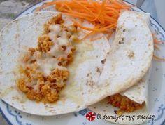 Τορτίγιες με κιμά και λιωμένο τυρί Mexican Food Recipes, Ethnic Recipes, Tacos, Pasta, Kitchen, Cooking, Mexican Recipes, Kitchens, Cuisine