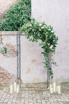 The Wedding Ceremony Arch: This Is How Professionals Design One Beautiful wedding arch. Wedding Ceremony Ideas, Wedding Arch Greenery, Simple Wedding Arch, Metal Wedding Arch, Indoor Wedding Arches, Wedding Arbors, Floral Wedding, Wedding Flowers, Trendy Wedding