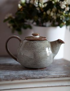 Shop our gorgeous collection of vintage & contemporary kitchen tableware here at Rose & Grey, including bowls, plates, mugs, serving boards and more. Pottery Teapots, Ceramic Teapots, Ceramic Bowls, Ceramic Pottery, Ceramic Art, Stoneware, Tee Set, Cafetiere, Wheel Thrown Pottery