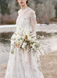Inspiration Robe du Mariage : Description Long sleeve winter bride wedding look: www.stylemepretty… Photography: Jose Villa – josevilla.com/ - #RobeduMariage https://madame.tn/mariage/robe-du-mariage/inspiration-robe-du-mariage-long-sleeve-winter-bride-wedding-look-www-stylemepretty-photography-jose-vi/